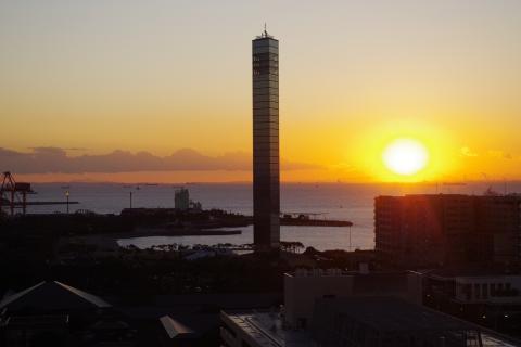 写真:千葉ポートタワー