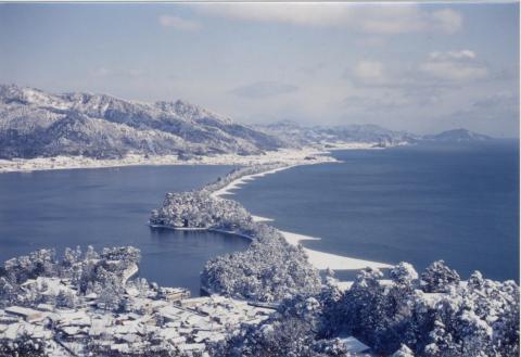 天橋立ビューランドからの天橋立雪景色