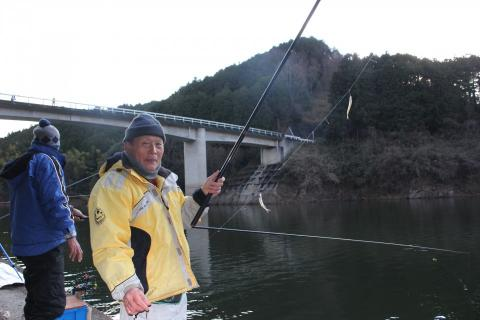 布目ダム湖 わかさぎ釣り