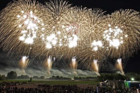 帯広の夏を締めくくる道新十勝川花火大会